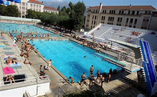 La piscine jean bron est ouverte pour l t debonne info for Piscine grenoble
